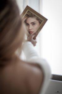 огледалце, животът на 30